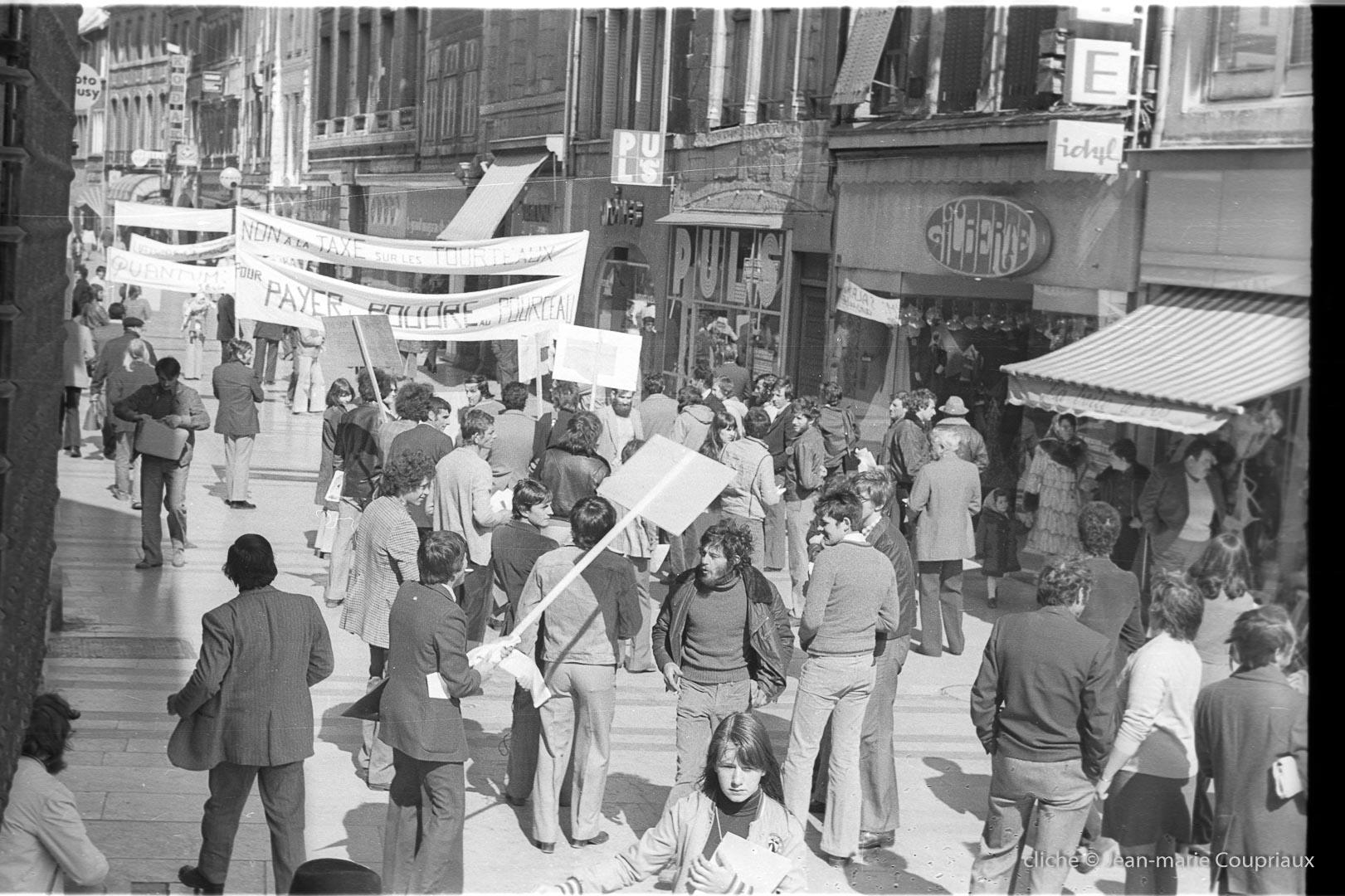 1976_CDJA-manif-Besancon-15