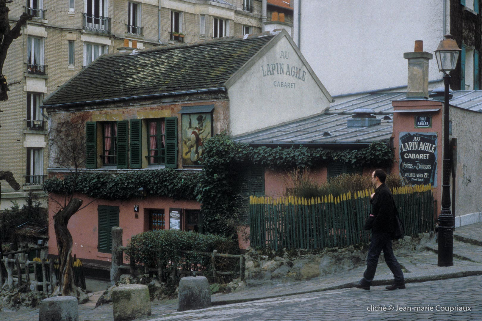 Paris-2001Montmartre0002-4