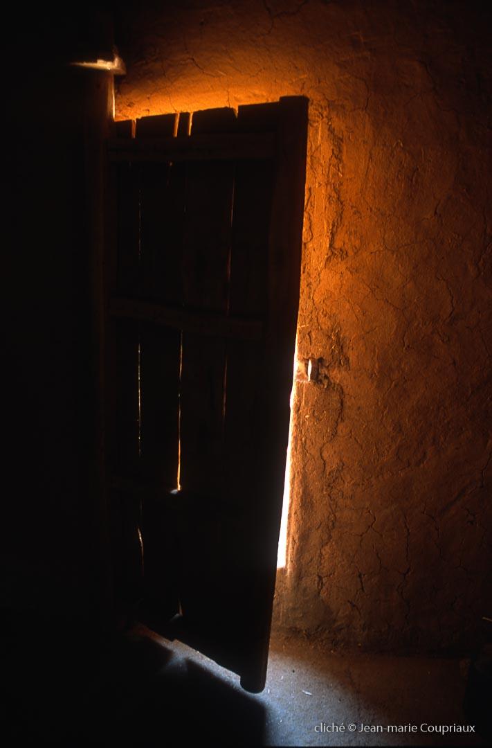 2001_Mgoun-435